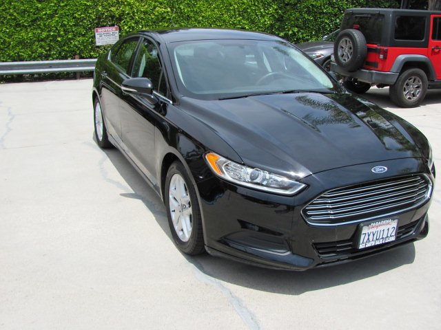 2016 Ford Fusion SE 6-Speed Automatic